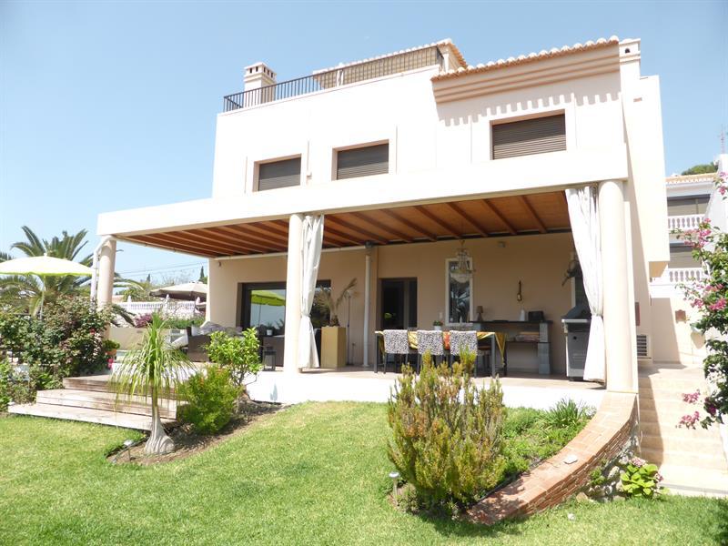 553854-17166-Salobrena-Villa_Fit_800_800.jpg