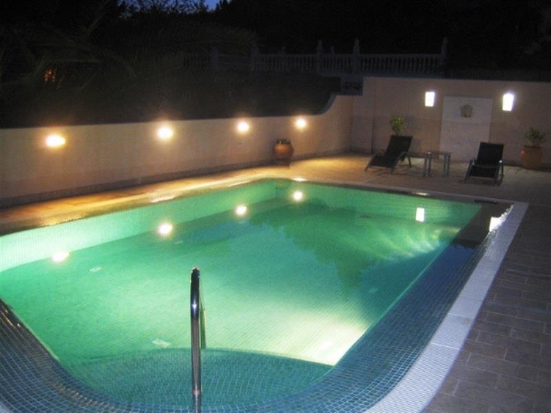 Almendra pool.jpg