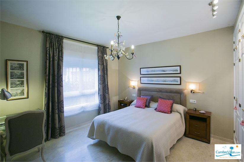 15671681-bedroom-with-access-to-garden.jpg