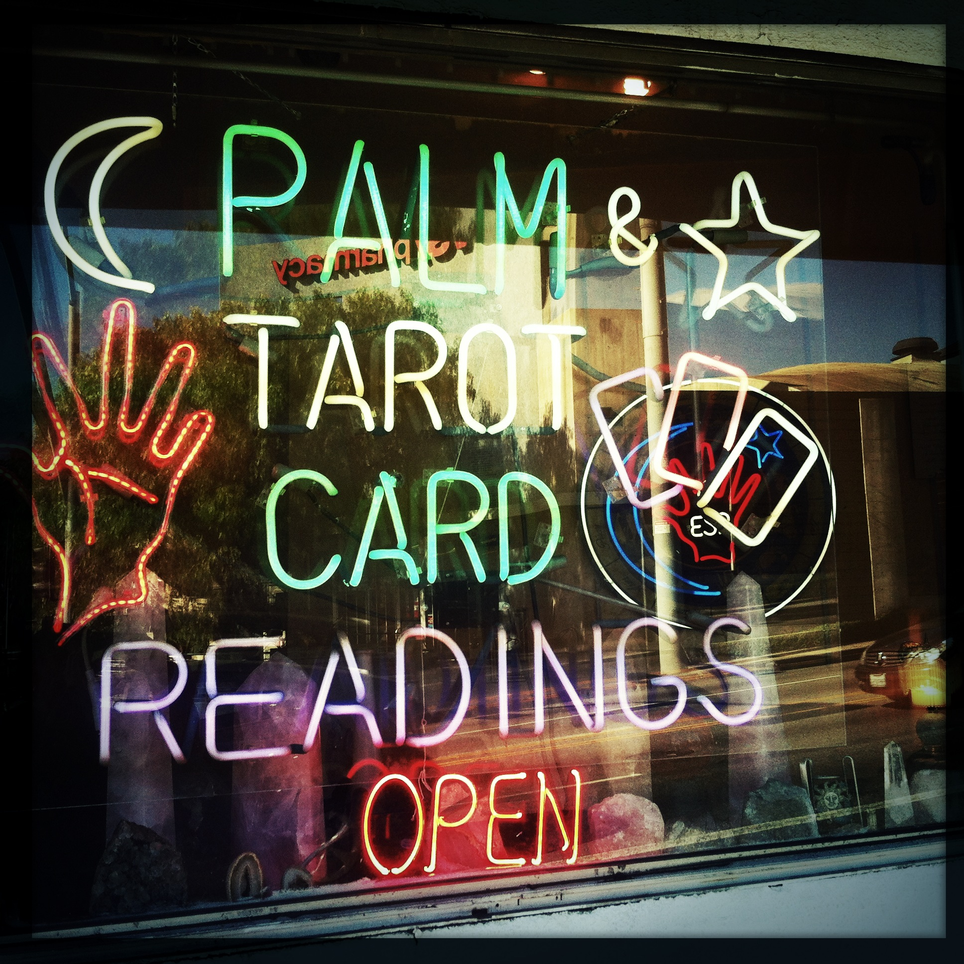 Palm & Tarot card Readings, Los Angeles, Californie 2013