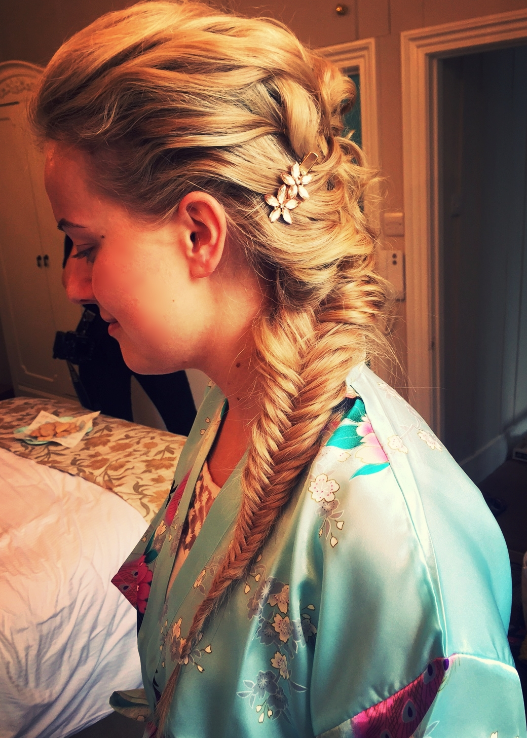 Fishtail - This one is incorporated with a tousled and textured style.