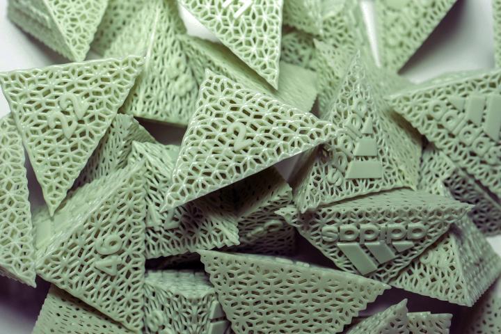adidas-carbon-4d-pyramids3.jpg