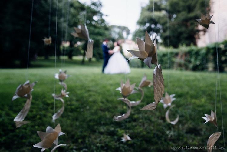 Fleurs et feuilles    Model:  Luisa Canovi     Wedding Planner:  Giulia Babetto     Photo:  Davide Mantovanelli