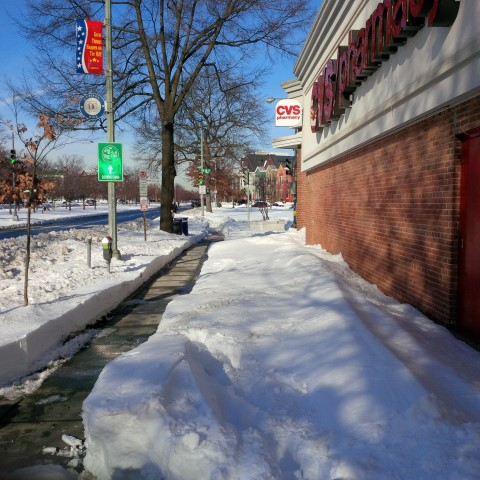 Nice, clear walkways around CVS at 12th and Penn/E St.
