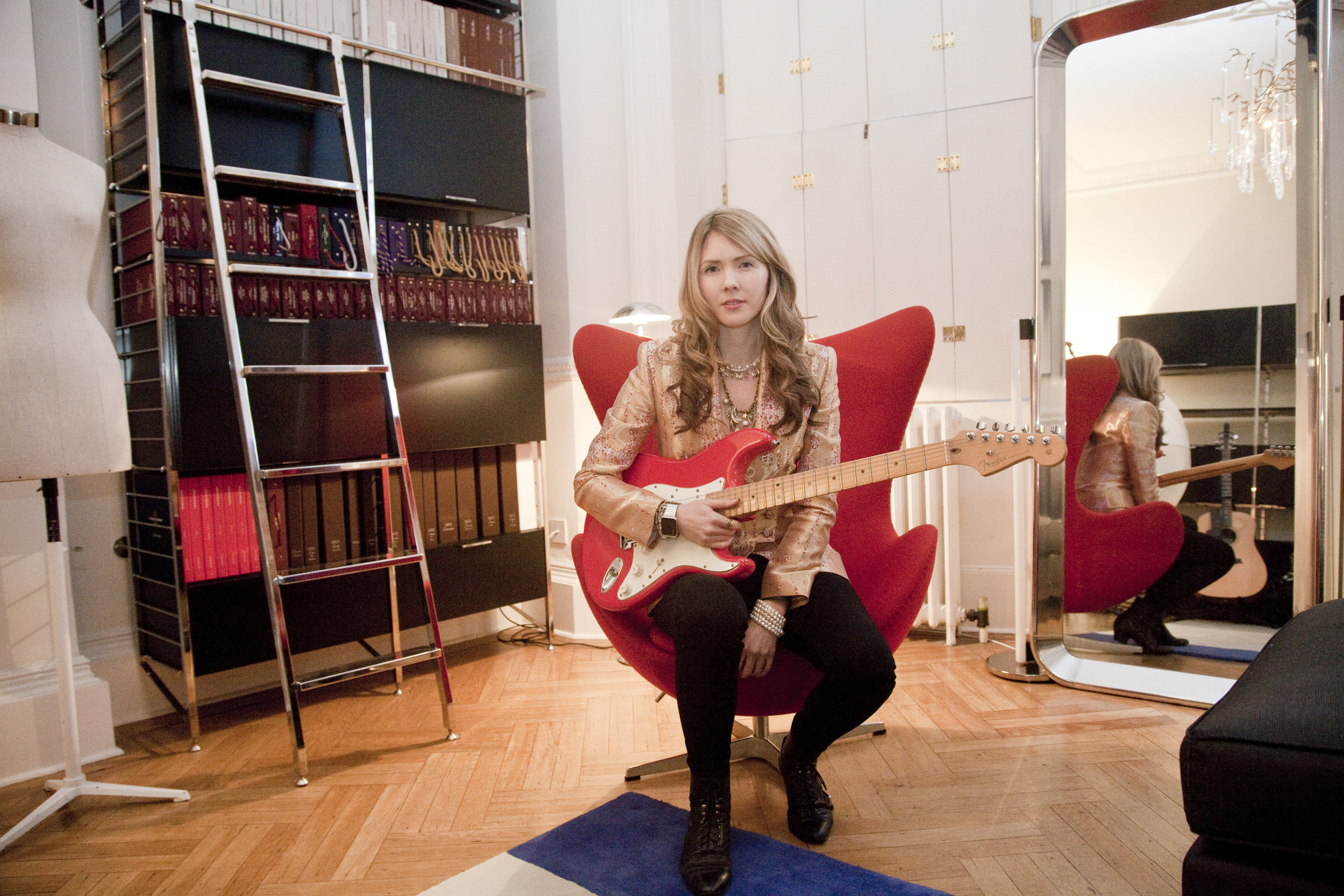 Beatie Wolfe - 2015 Montagu Square - in her musical jacket inside 34 Montagu Square by Ollie Smallwood (1)