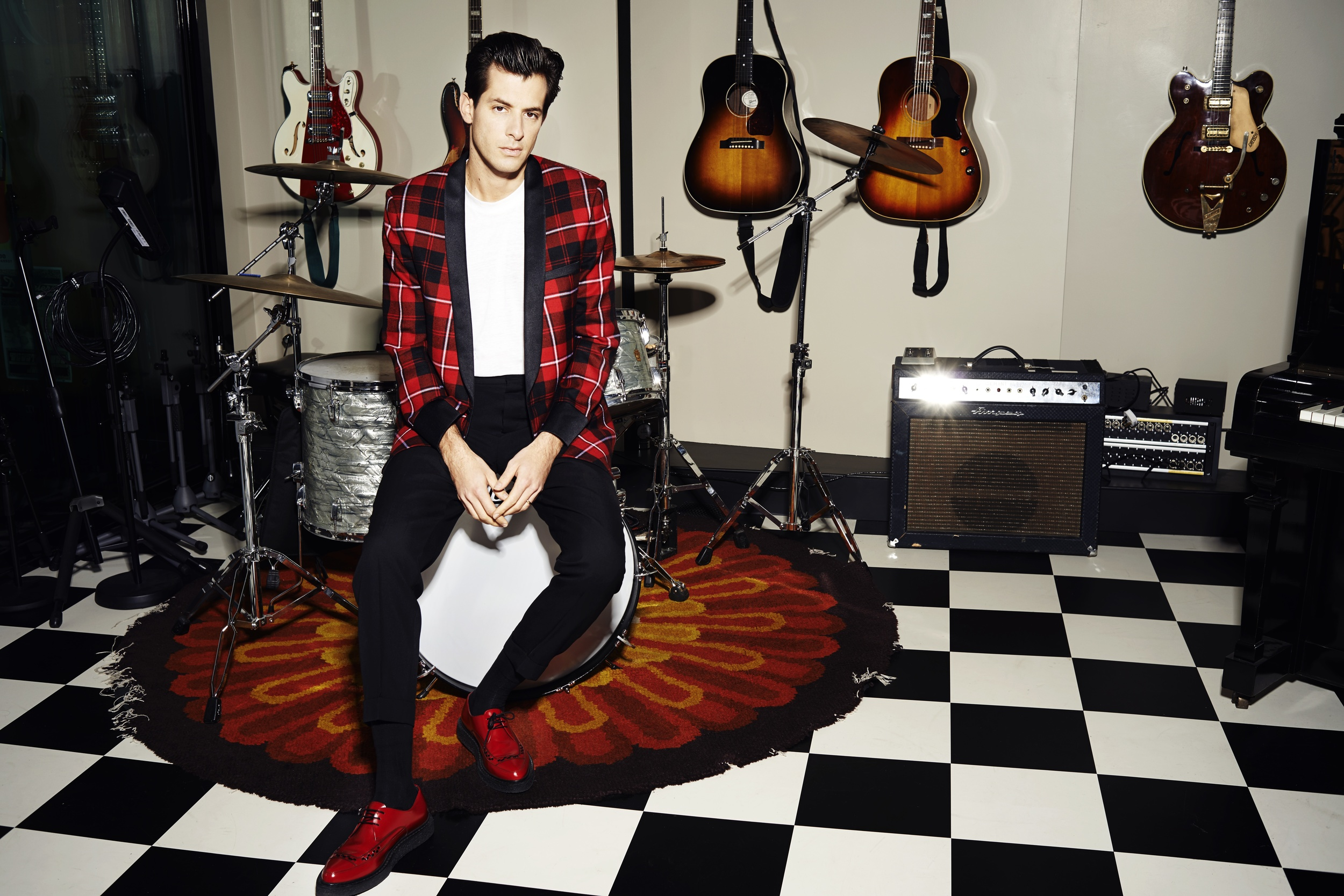 Mark Ronson  Ph: Arved Colvin-Smith