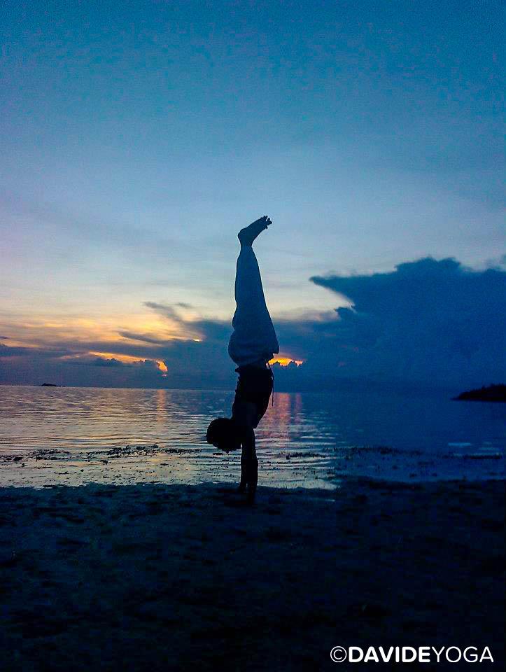 Thiland Handstand - C.jpg