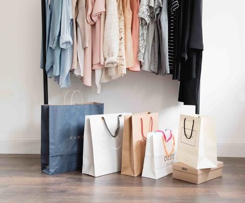 Personal+Shoping+-+Lolo+Lovett.jpg