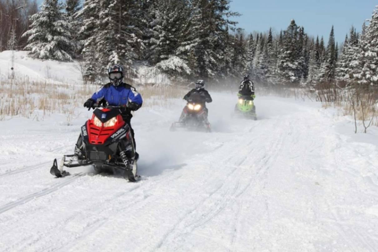 Snowmobile 4.jpg