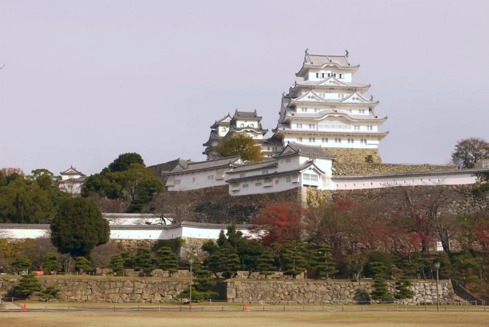 日本第一名城,因其白色牆壁以及如白鷺展翅的屋頂,而有『白鷺城』的別名