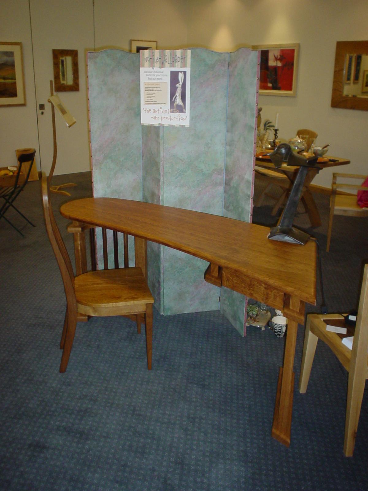Klinton Writing Desk