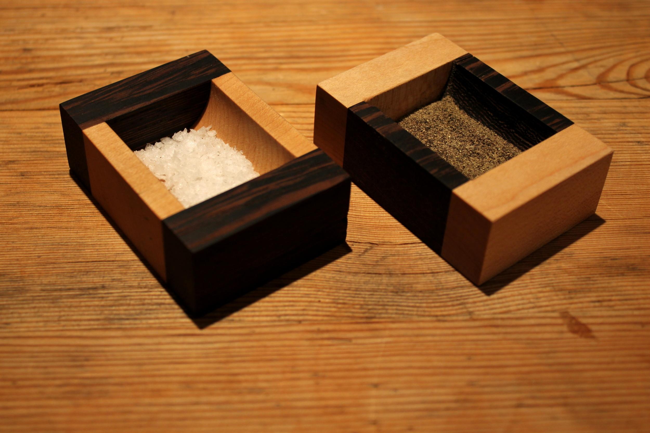 Bunkatsu Pinch Pots