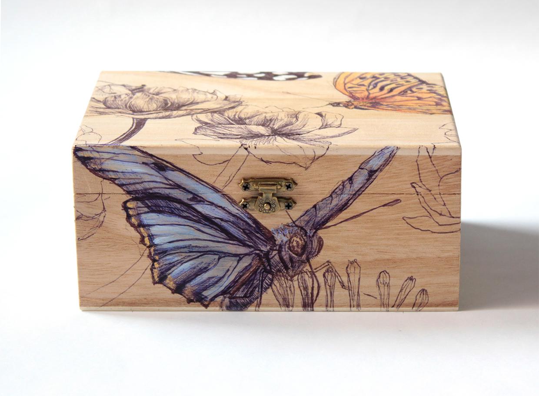 capsa-papallones.jpg
