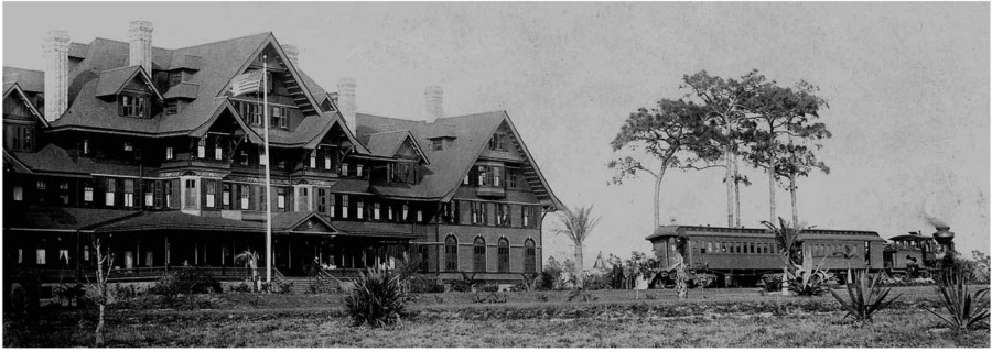 Built by railroad magnate Henry Plant in 1897, this photo shows the hotel during it's early years.