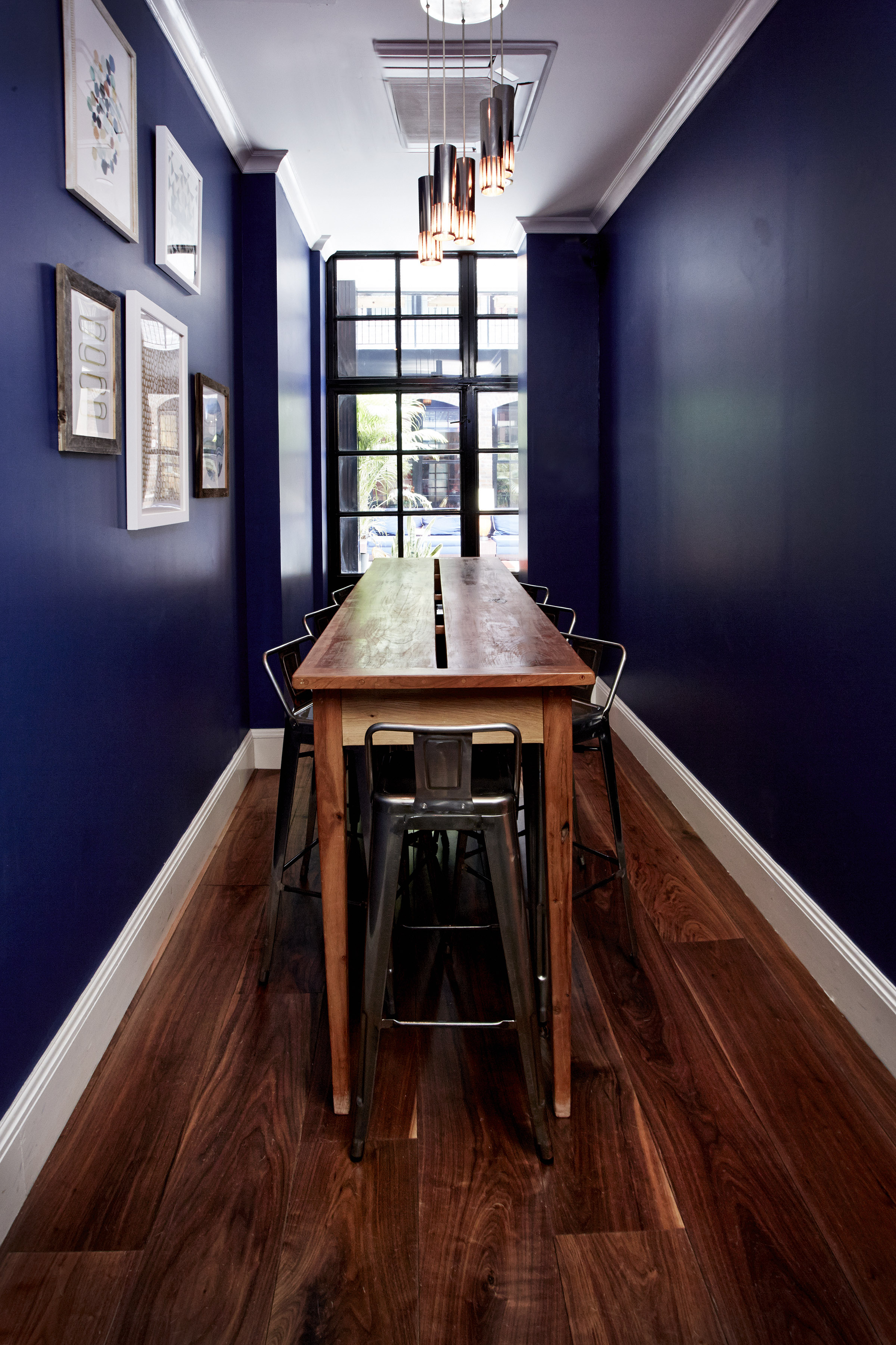 broome street table and chairs.jpg