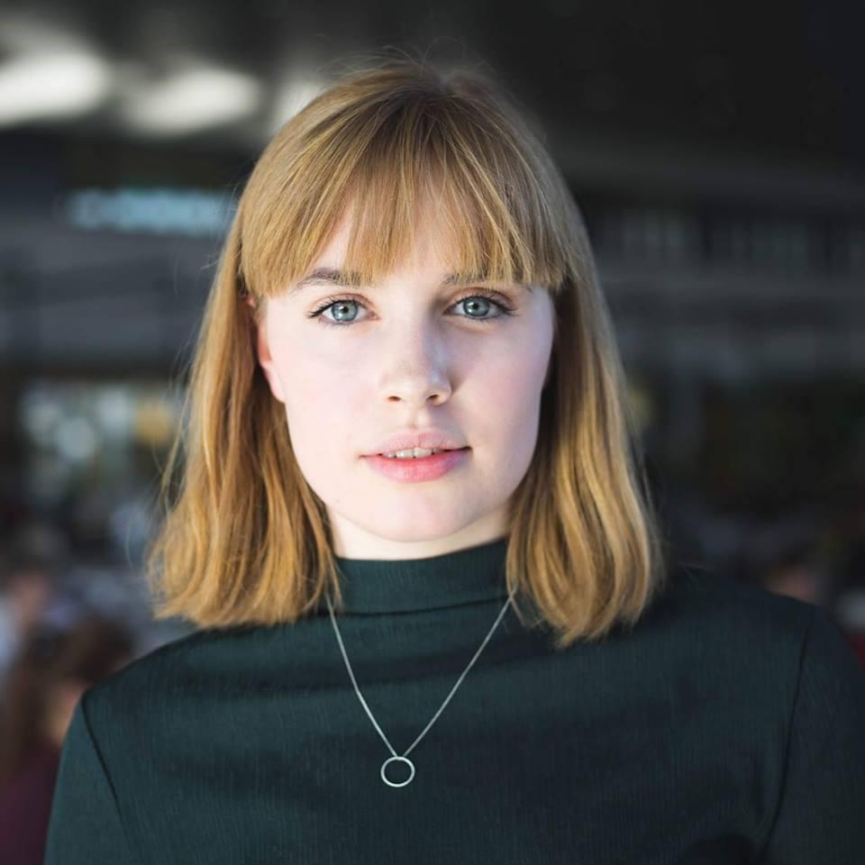 Ragnheiður Birgisdóttir, höfundur pistilsins og nemi í bókmenntafræði við Háskóla Íslands.  Stúdentablaðið/Eydís María Ólafsdóttir