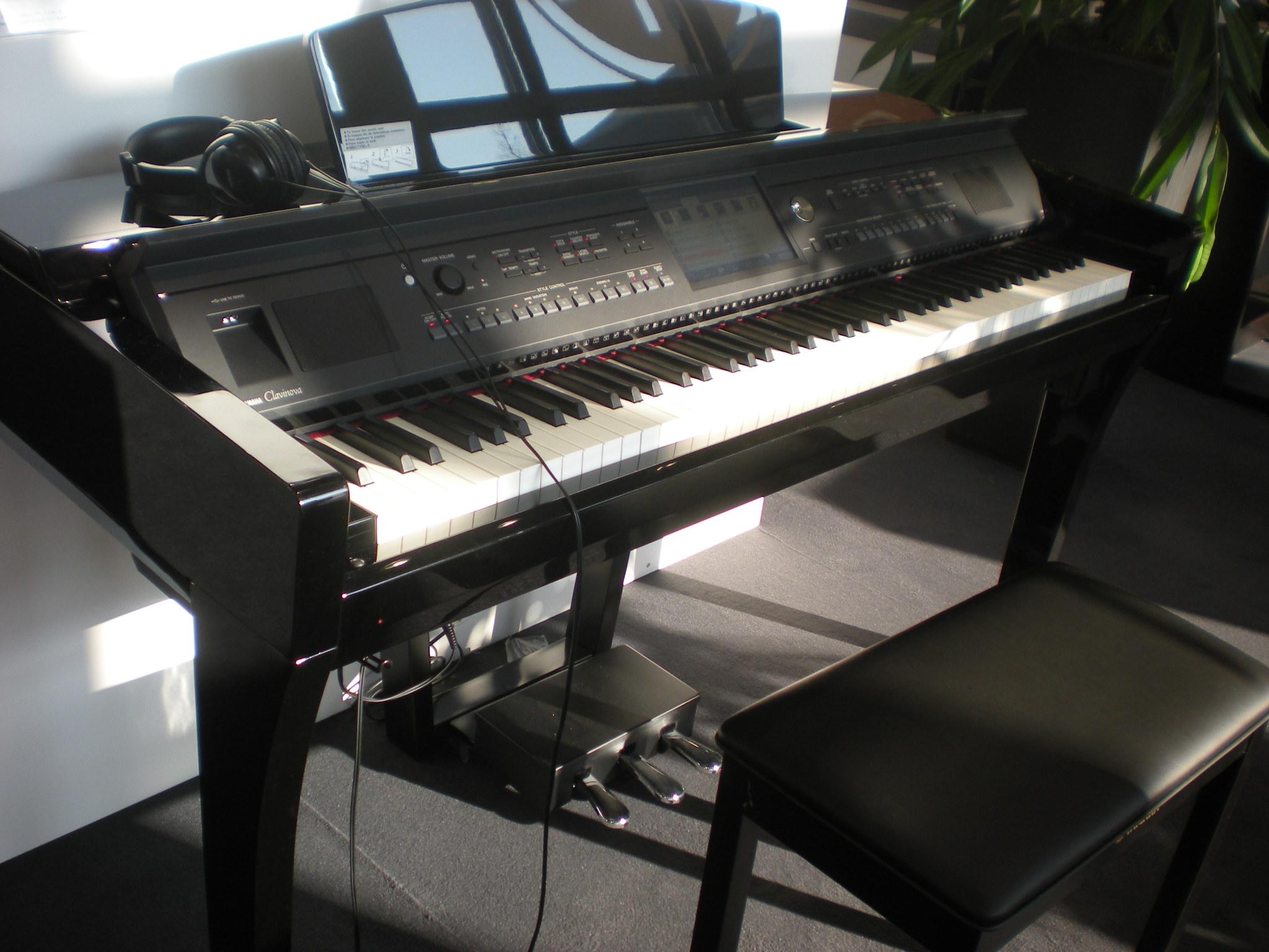 Yamaha CVP-609