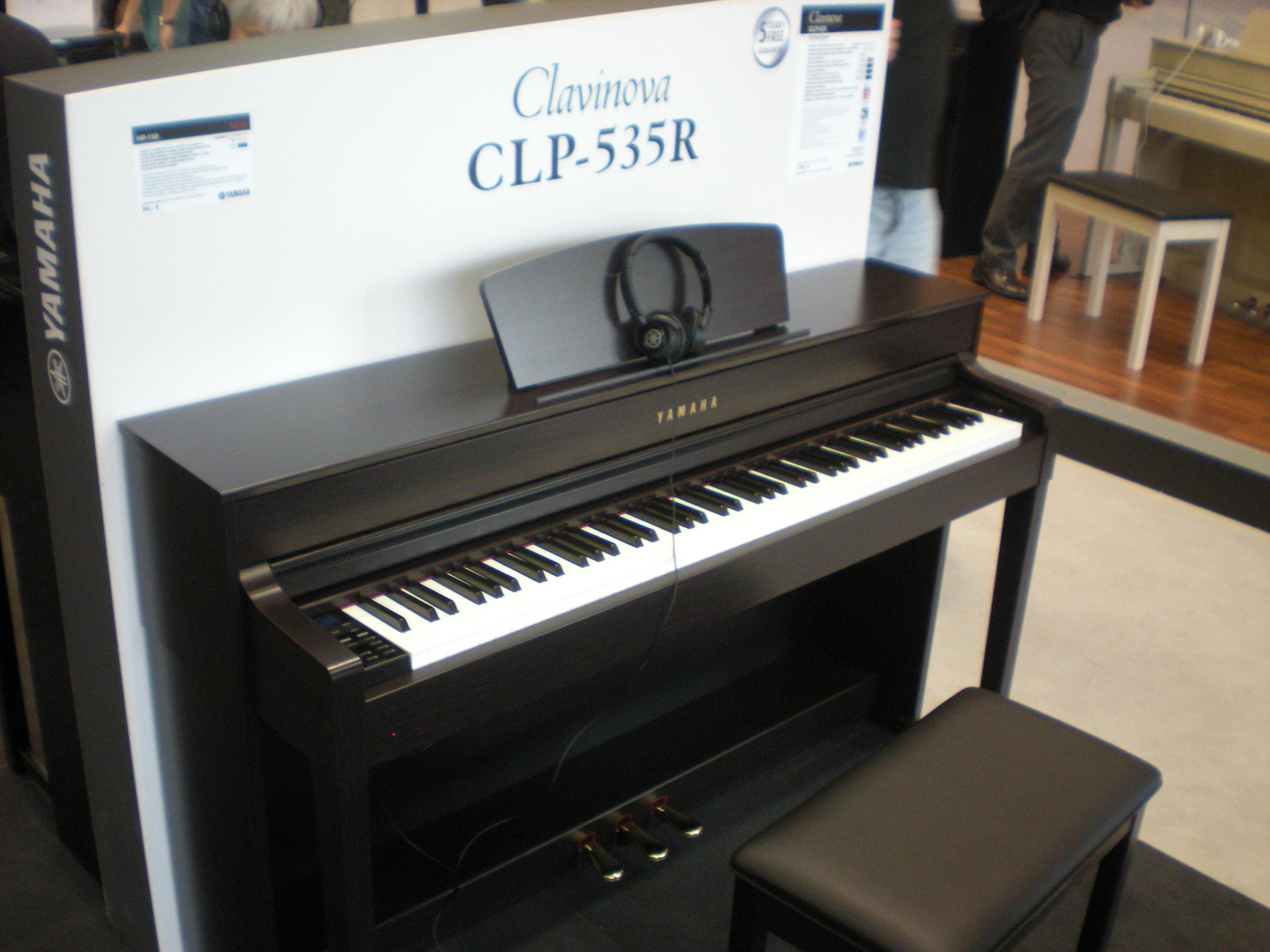 Clavinova CLP-535