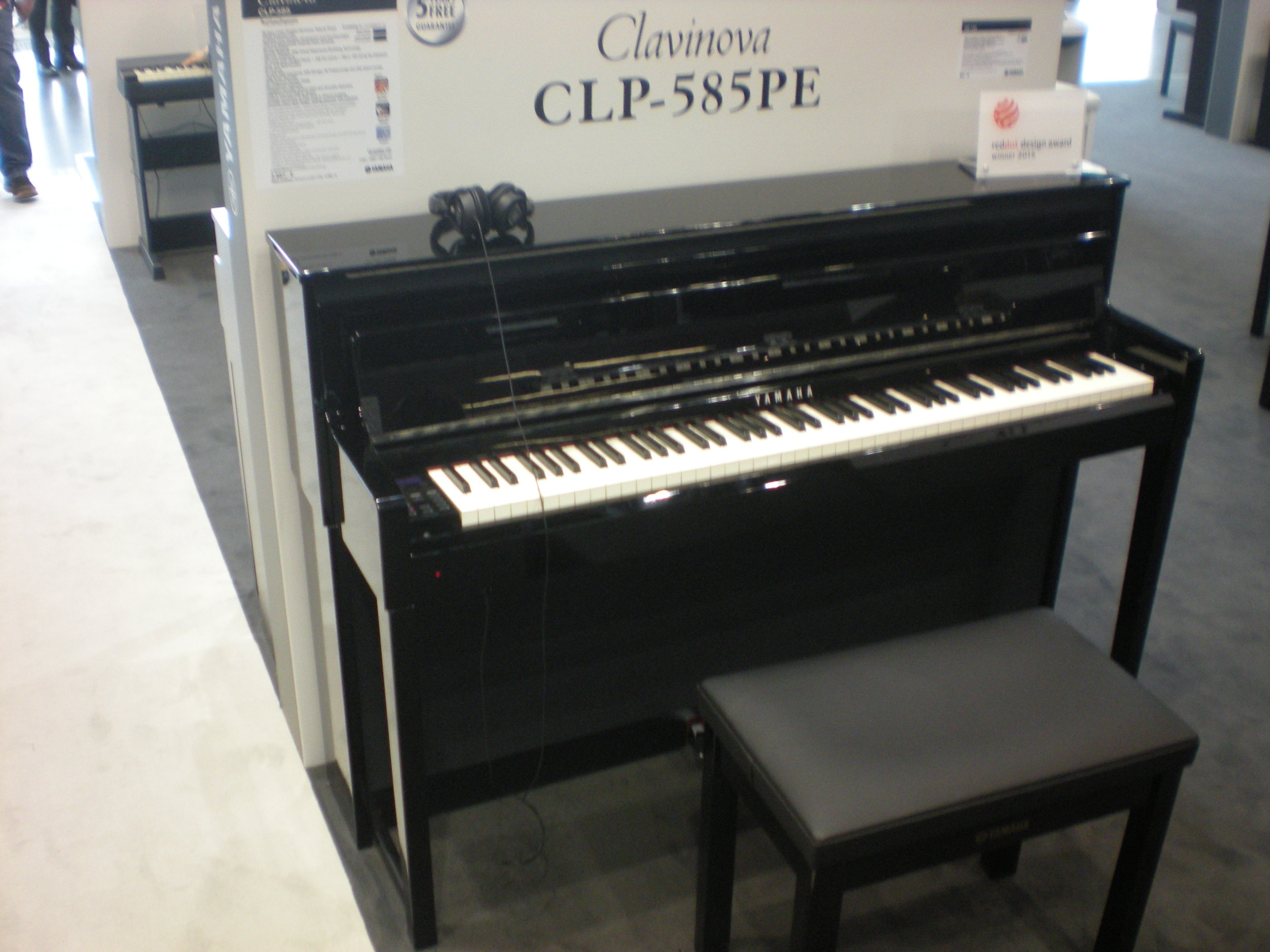 Clavinova CLP-585