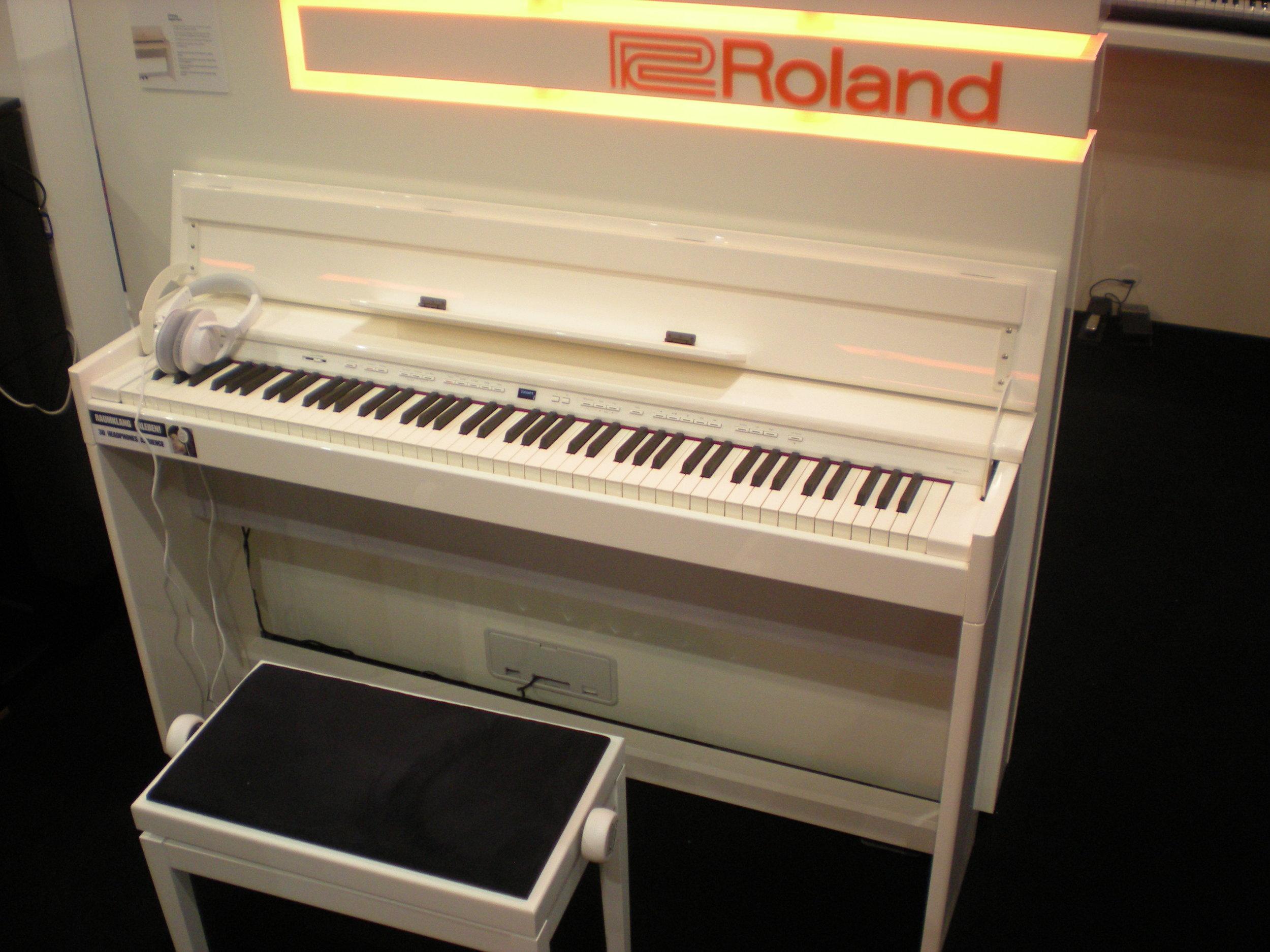 Roland DP90Se
