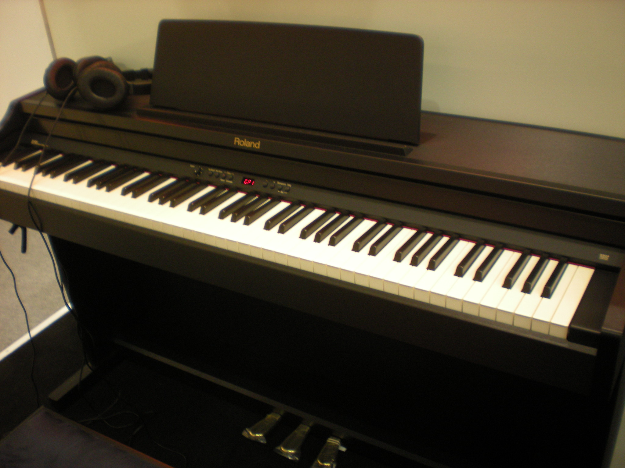 Roland RP301 (Targi Muzyczne Frankfurt 2014)