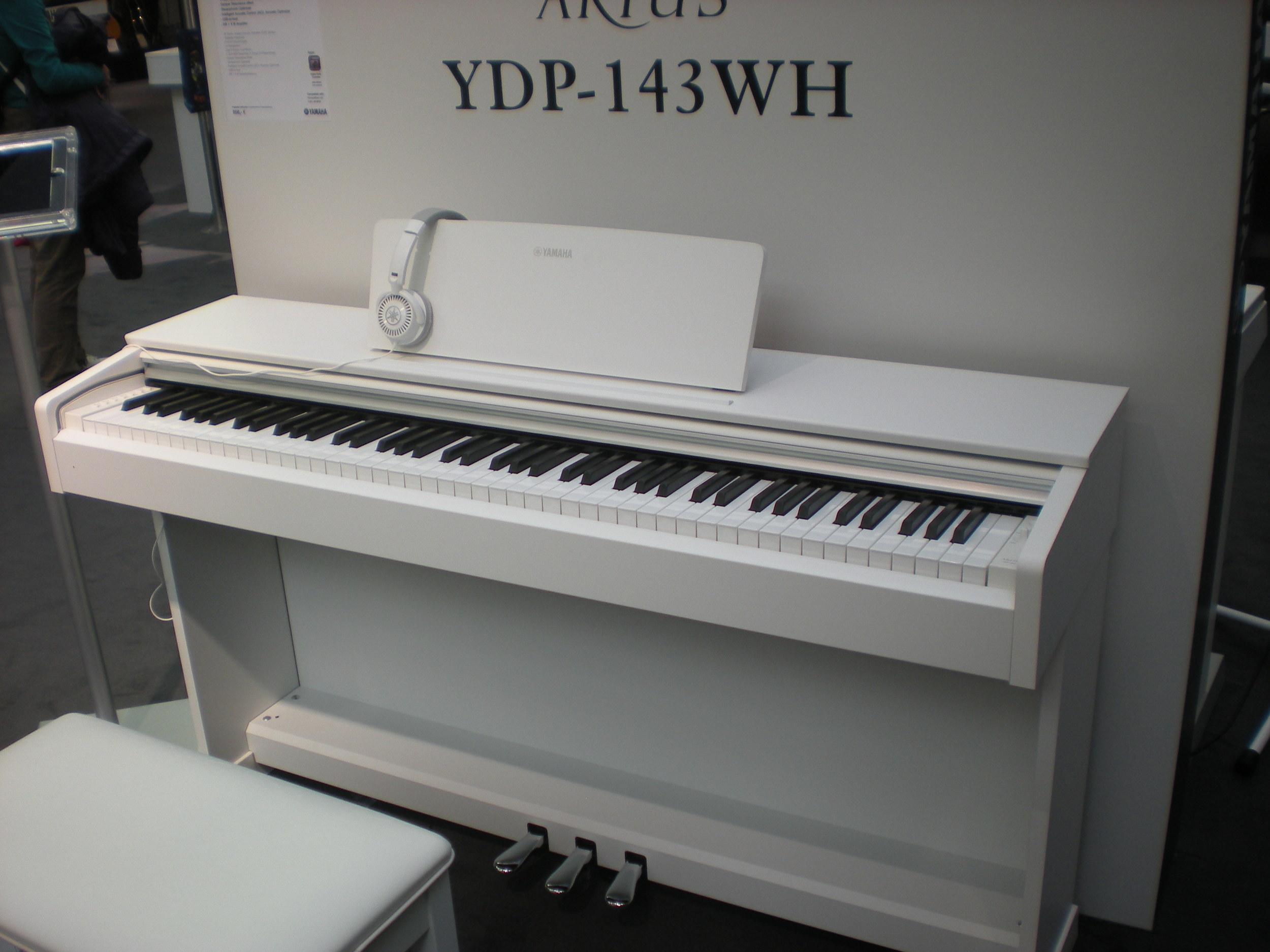 Yamaha Arius YDP-143