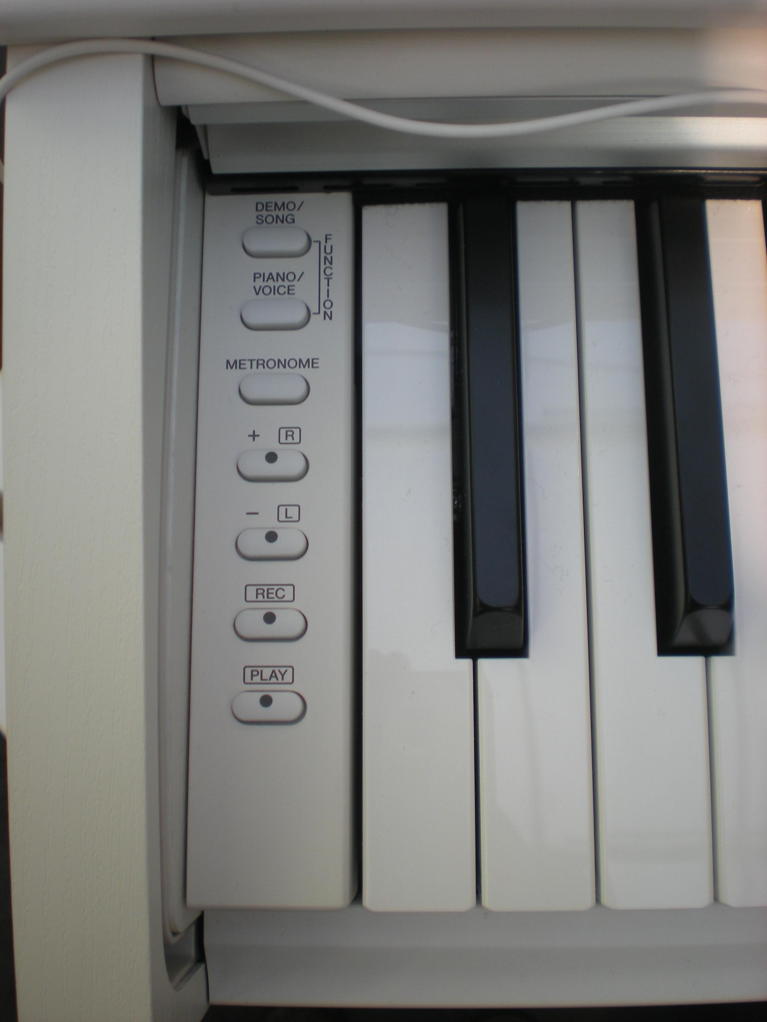 Yamaha YDP-143 - panel