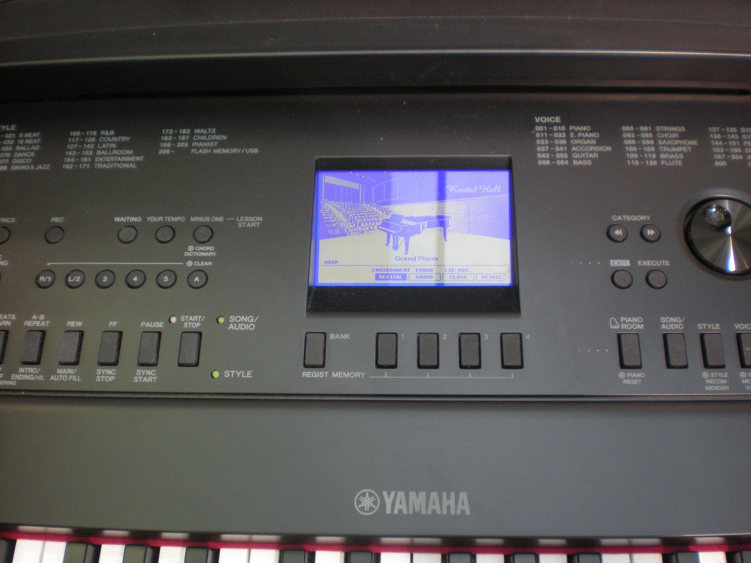 Yamaha DGX-660 panel