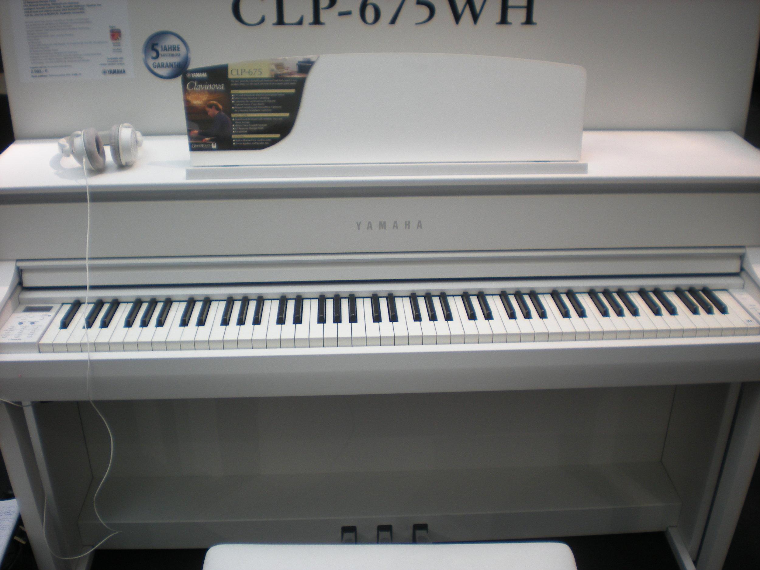 Yamaha CLP-675