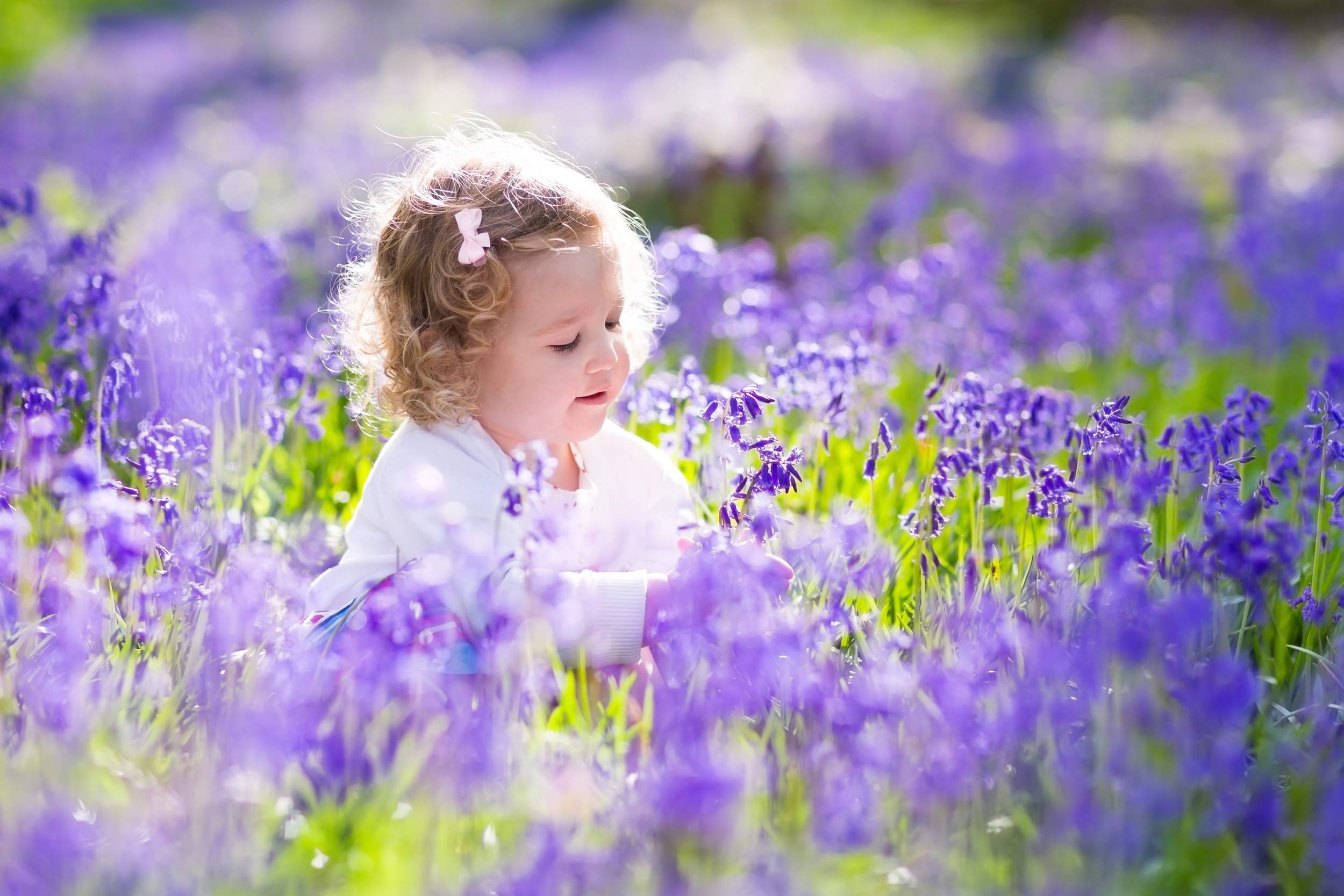 We just LOVE this time of year! Spring Family Photoshoots with  YourFamilyDeserveThis Photography , Hampshire, UK