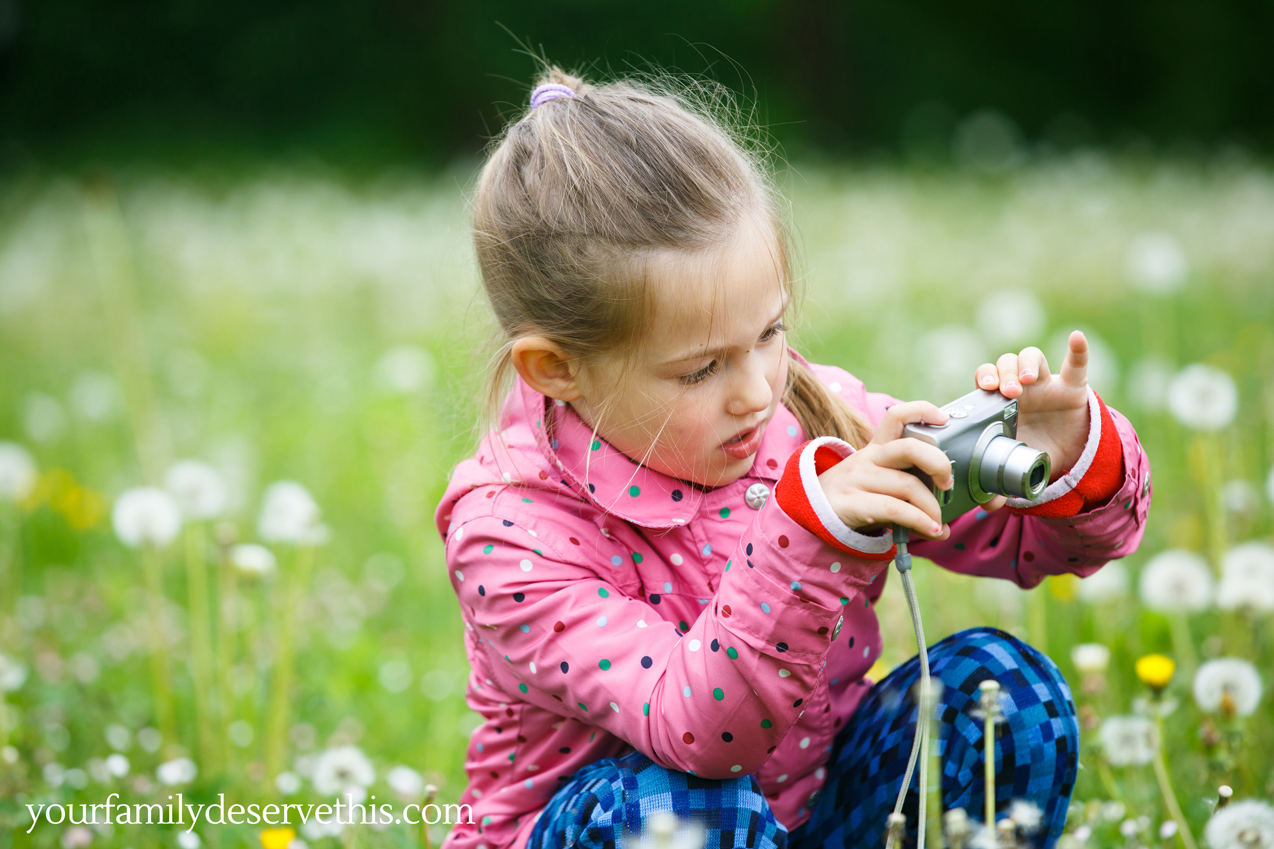 Enjoying the outdoors with a photo treasure hunt. How many insects, flowers, plants etc can you find? Give your kids a list of flowers, insects to find and they'll be happy for ages.