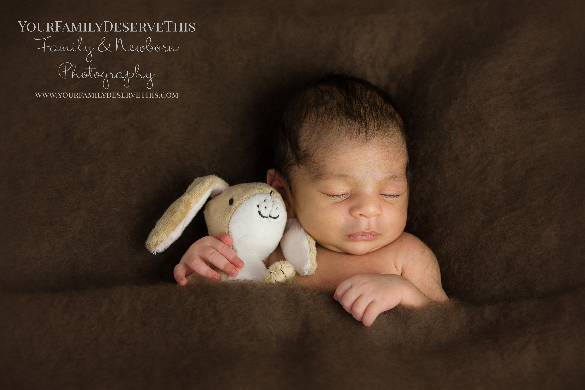 Bring your newborn baby's favourite cuddly toy to their newborn photoshoot  www.yourfamilydeservethis.com