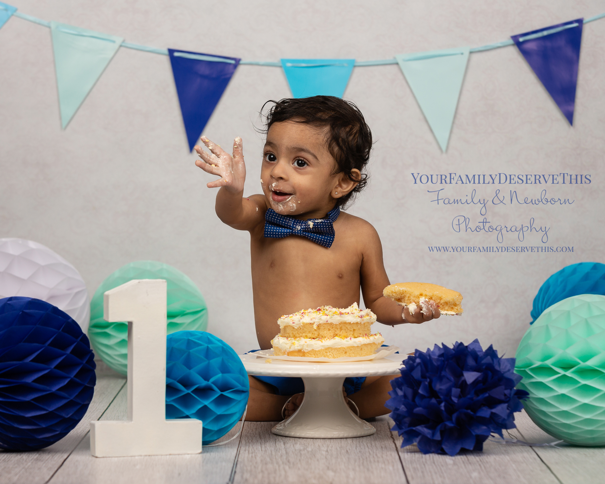 We had such a SMASHING time. Include a cake smash with your 1st Birthday Photoshoot and let the fun begin… yourfamilydeservethis.com