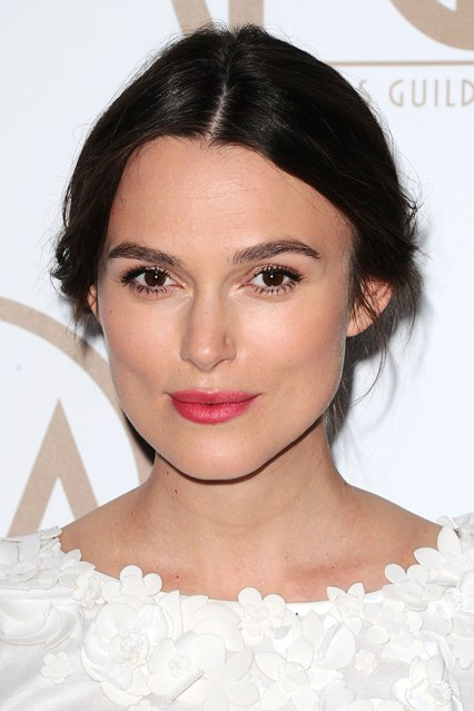 red carpeKeira-Knightley-vogue-26jan15-rex_b_426x639.jpg