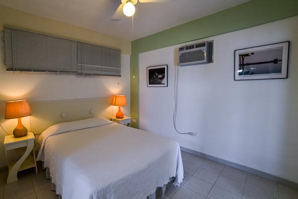 Parcha with spacious bedroom