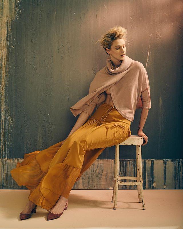 Work with @aquarellemaison 💇♀️: @kellihoff 💃: @allizonwonderland . . . . .  #outfitoftheday #fashiondesigner #fashionable #profoto #fashionblog #currentlywearing #fashiondiaries #fashiondesign #fashionstyle #fashiondaily #fashiongram #todaysoutfit #styleblogger #whatiworetoday #fashionweek #styleoftheday #fashionaddict #styleinspiration #wiwt #fashionstylist #fashionpost #fashionlovers #fashionphotography  #charleston #lowcountry #southcarolina #chucktown #chs #sc