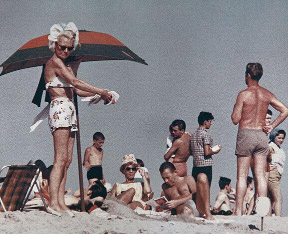 Aaron Roses Coney Island ii.jpg