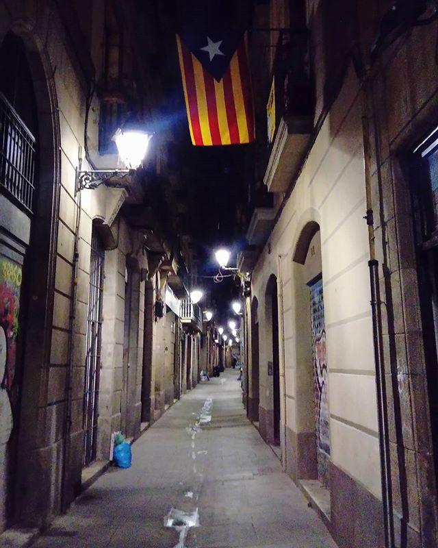 Silent night. Christmas Eve in Gothic Quarter.  #barcelona #Christmas #travel