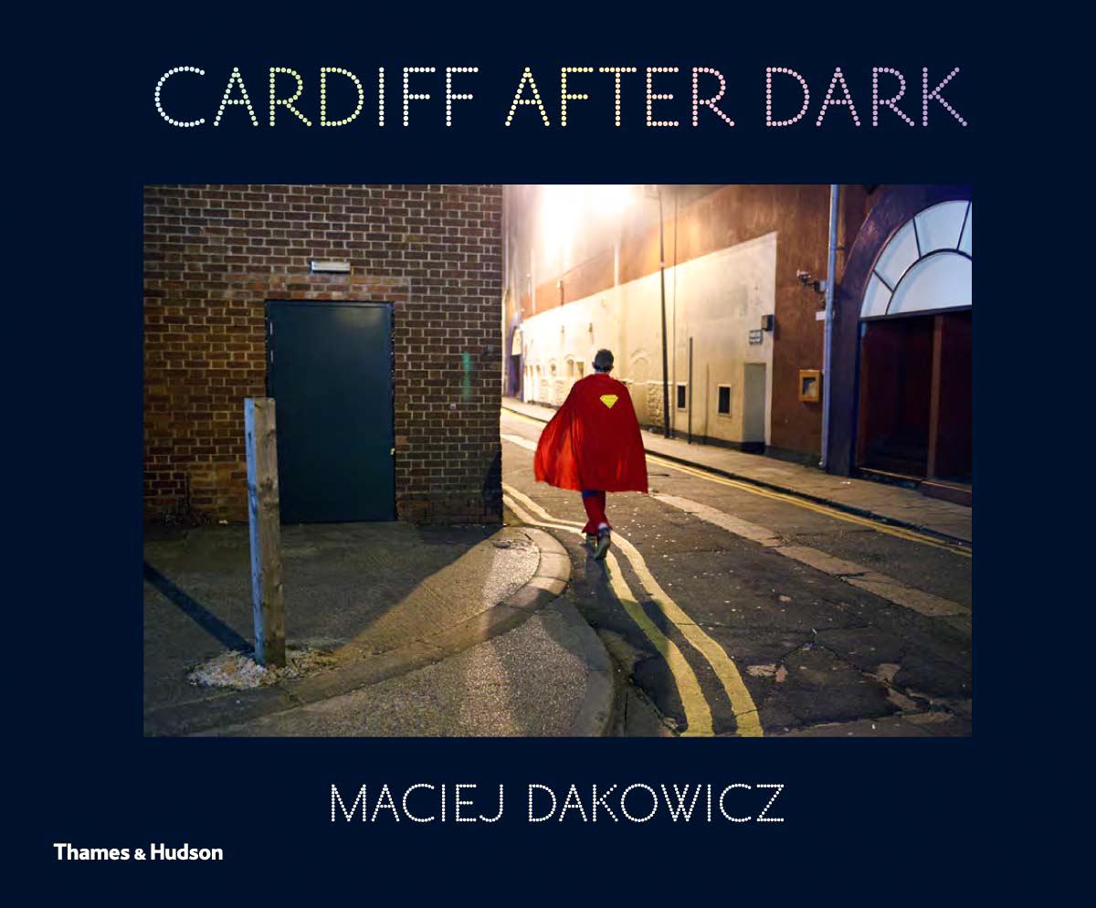 Maciej Dakowicz《Cardiff After Dark》.jpg