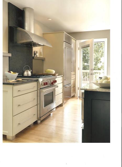 Julie's+kitchen-+toward+door.jpg