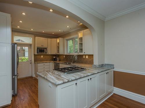 poplack kitchen 6.jpg