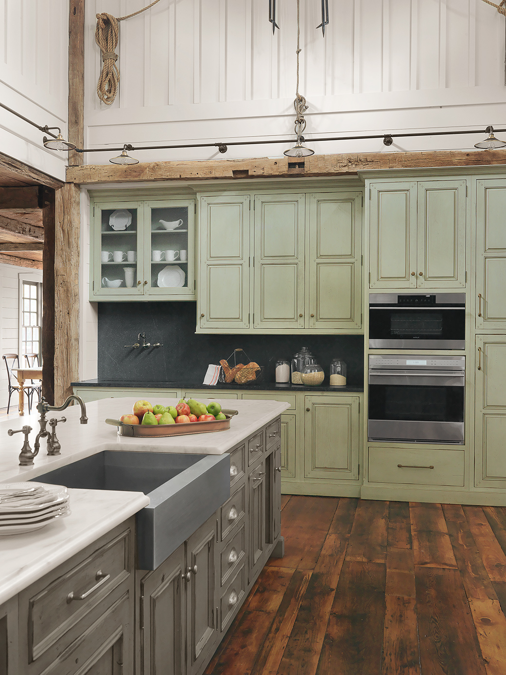 Cabinetry - Select from our 11 lines of custom and semi-custom cabinet lines to find the style, finish, and accessories that are perfect for your home.