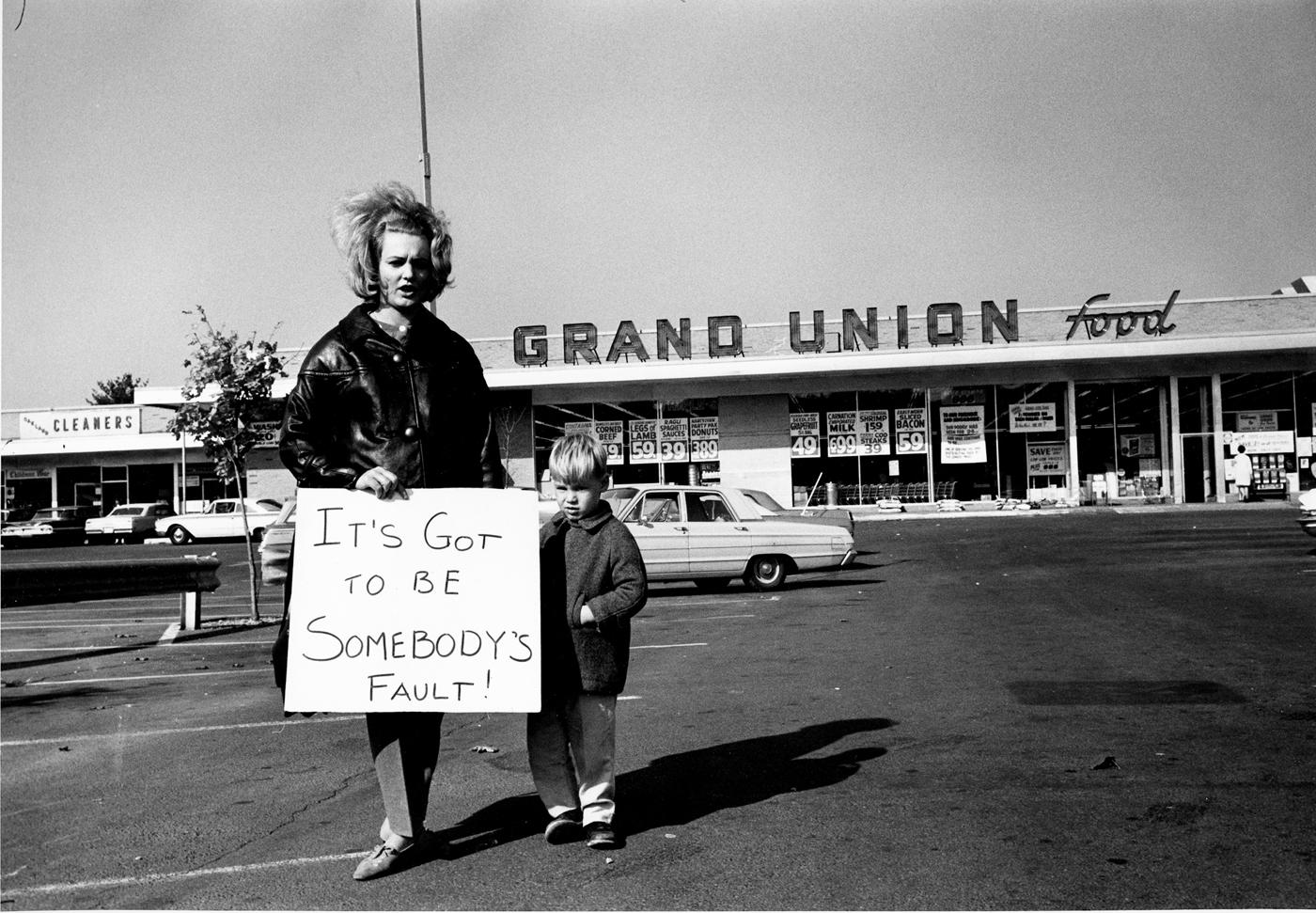 Supermarket Pickets, New Jersey,1963.jpg