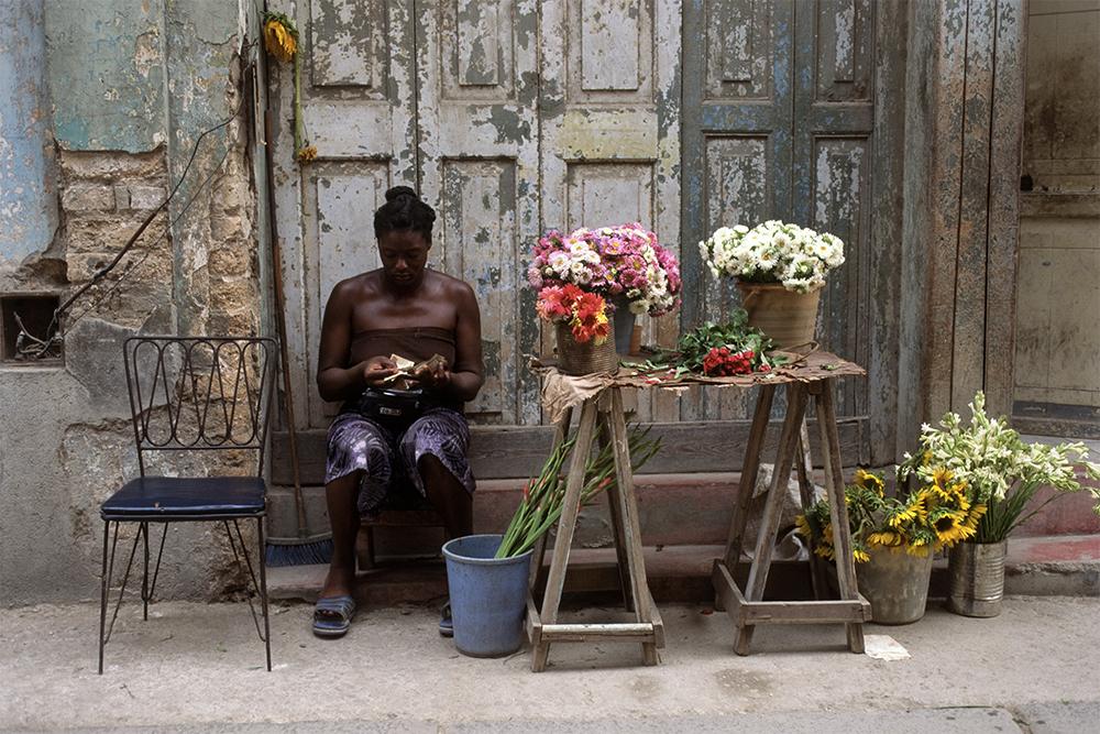 The Flower Vendor , Havana, Cuba, 1999  Archival pigment print.  13 3/8 x 20 inches