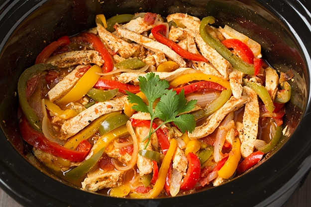slow-cooker-chicken-fajitas-step6-srgb..jpg