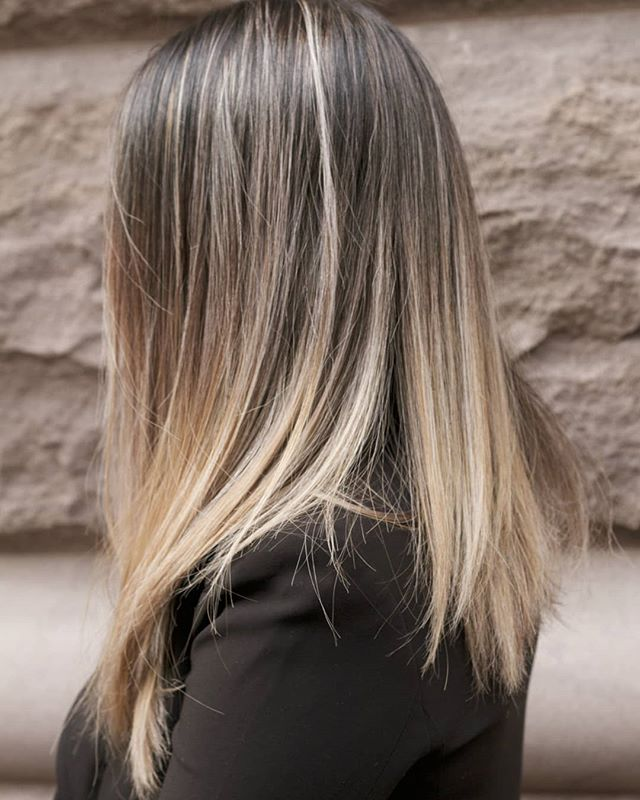 #ombre . . . #hairbymishi #morphic #morphicbeauty #balayage #hair #haircolor #hairstyle #haircut #blondehair #blonde #hairstyles #fashion #beauty #highlights #hairstylist #modernsalon #balayageombre #hairdresser #style #hairgoals #love #longhair #salon #babylights #instahair #color #hairoftheday