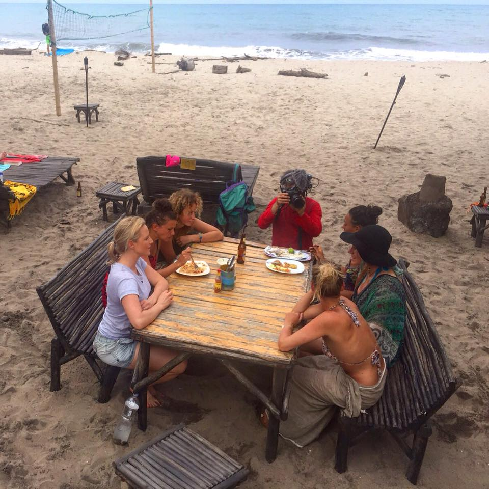 Chatting with badass solo female travellers at Palomino Beach, Colombia, for World Nomads.