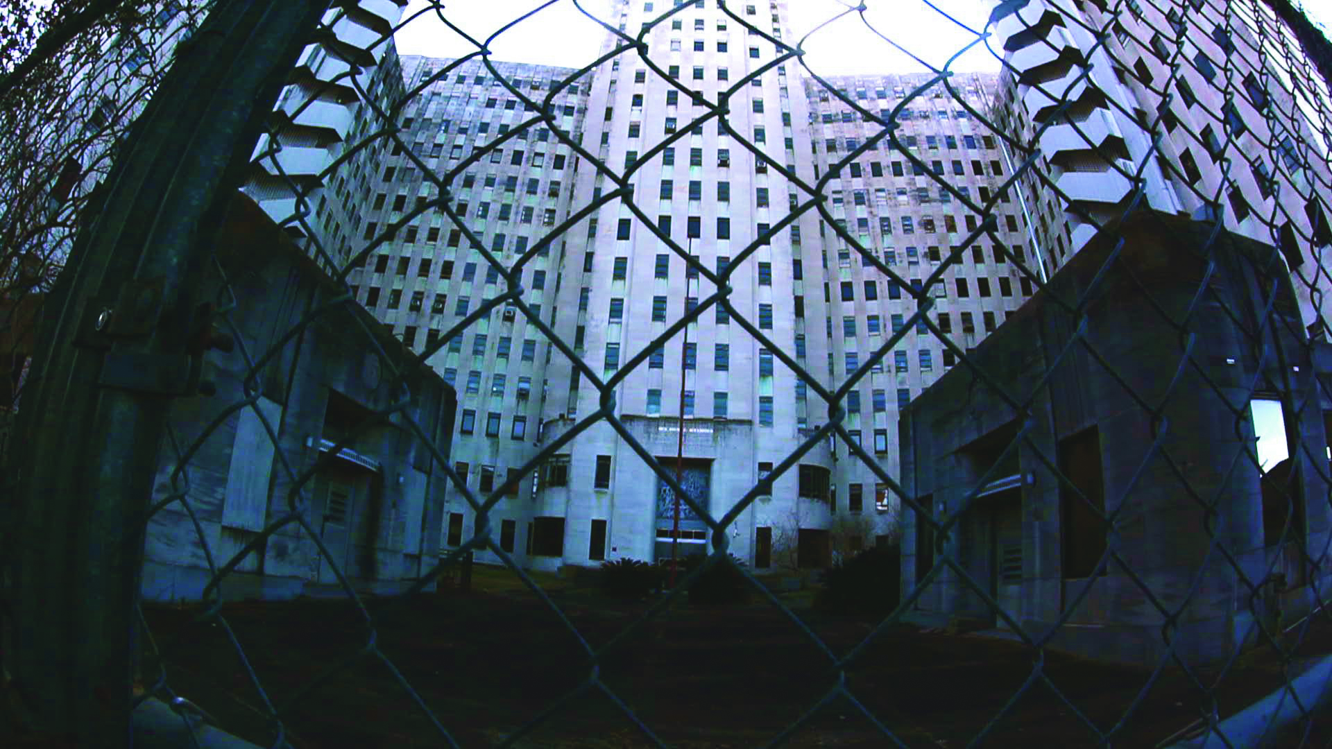 ch behind gate_noff.jpg
