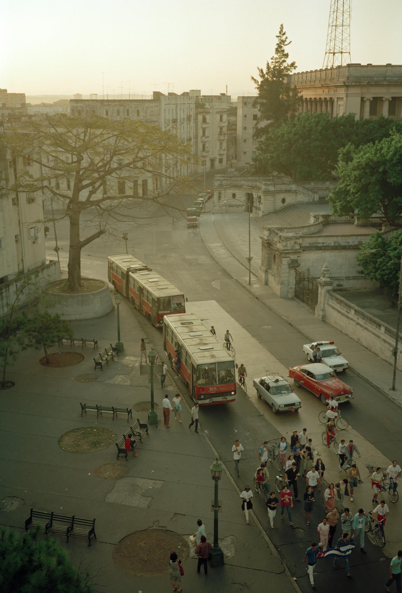 5_Bus_Stop_March_Calle_L_Havana_20_x24_pigment_print_1992.jpg