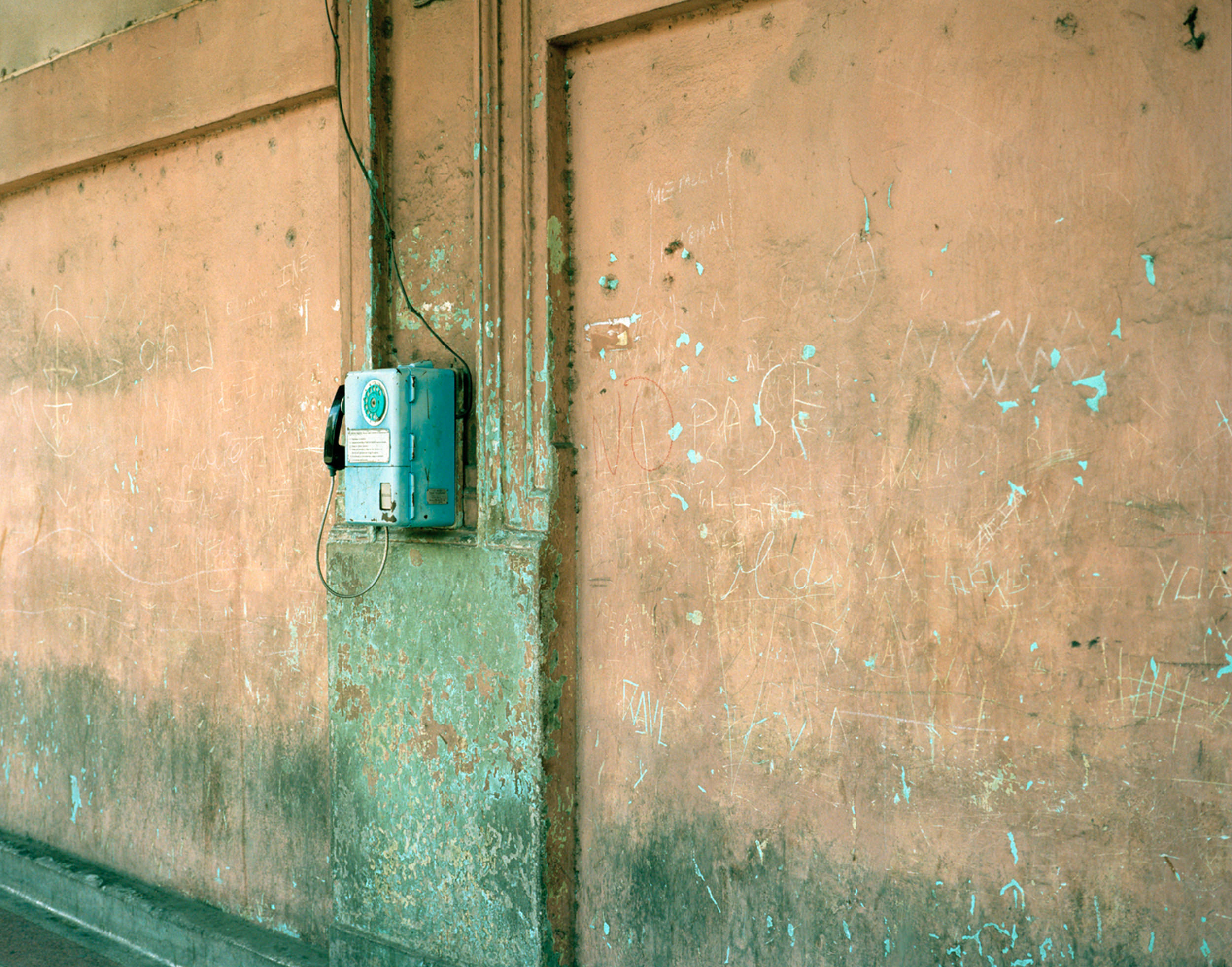 18.95-PhoneHavana- 001.jpg